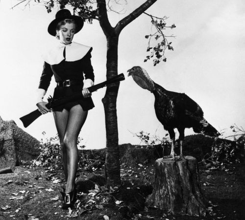 Marilyn-Monroe-Happy-Thanksgiving-19501-400x362
