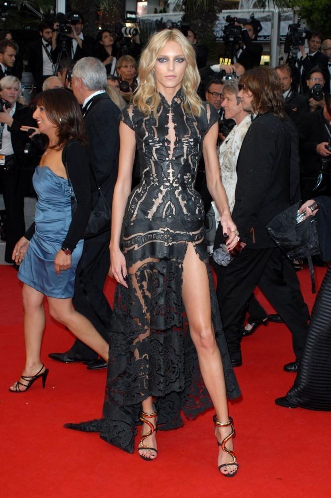 Cannes+premiere+Therese+Desqueyroux+rBKLzeOooNJx
