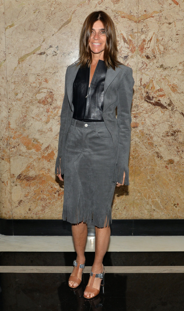 Carine+Roitfeld+Suits+Skirt+Suit+SlGDgI1EEbwx